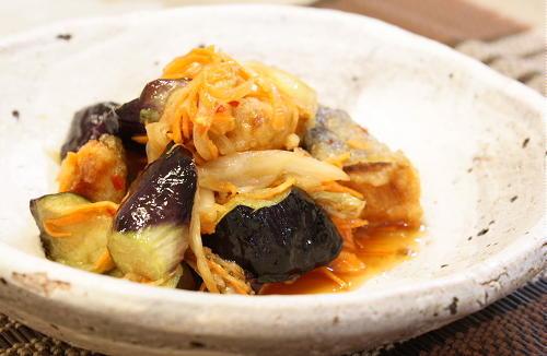 今日のキムチ料理レシピ:鮭となすのキムチ南蛮漬け