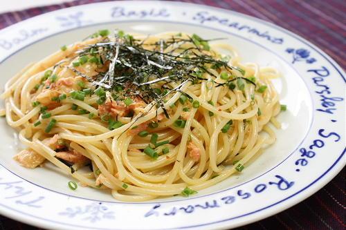今日のキムチ料理レシピ:鮭キムチパスタ
