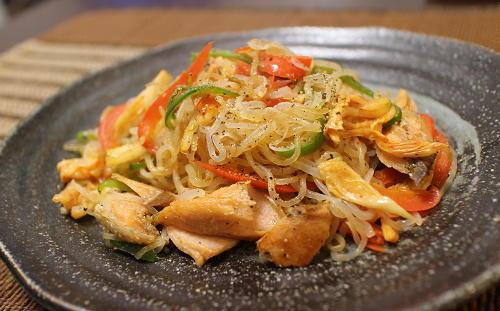 今日のキムチ料理レシピ:鮭とキムチの焼きしらたき