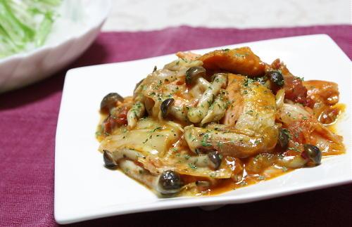 今日のキムチ料理レシピ:鮭のトマトキムチ煮込み
