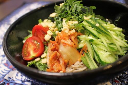 今日のキムチ料理レシピ:サラダ風キムチ蕎麦
