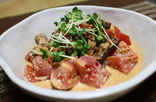 今日のキムチレシピ:さんまとトマトとキムチのマヨネーズ和え