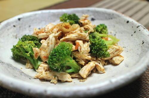 今日のキムチレシピ:ささみとブロッコリーのキムチごま酢和え