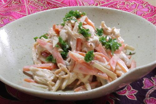 今日のキムチ料理レシピ:ささみとごぼうのピリ辛マヨサラダ