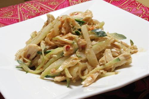 今日のキムチ料理レシピ:鶏ささみとセロリのキムチサラダ