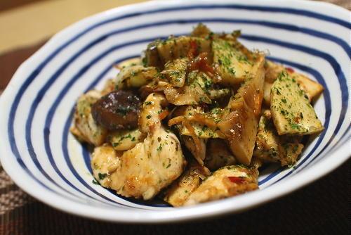 今日のキムチ料理レシピ:鶏のささみとタケノコのキムチ炒め