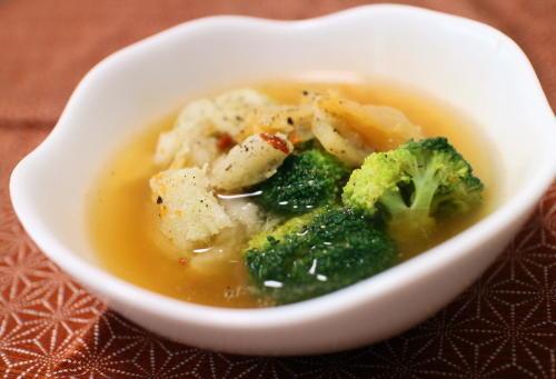 今日のキムチ料理レシピ:里芋とブロッコリーとキムチのスープ