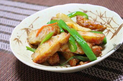 今日のキムチ料理レシピ:さつま揚げとキムチの甘辛炒め