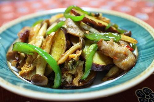 さつまいもと豚肉のキムチ炒めレシピ