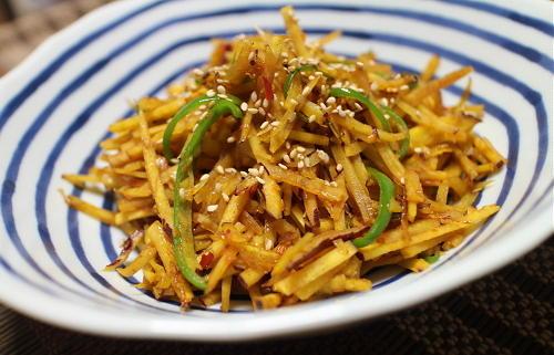 今日のキムチ料理レシピ:サツマイモピリ辛きんぴら