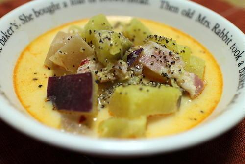 サツマイモと大根キムチのミルク味噌汁 レシピ