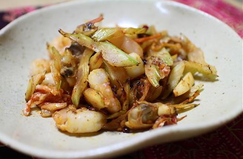 今日のキムチレシピ:シーフードミックスとセロリのキムチ炒め