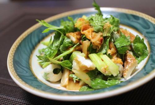 今日のキムチ料理レシピ:ちくわとセロリのキムチマヨ和え