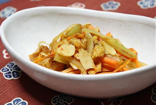 今日のキムチ料理レシピ:にんじんのキムチ炒め