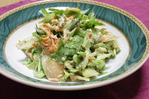 今日のキムチ料理レシピ:セロリとキムチのツナサラダ