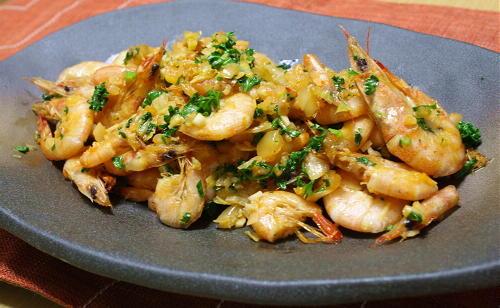 今日のキムチ料理レシピ:芝エビのキムチアヒージョ風