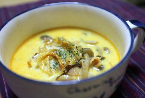 今日のキムチレシピ:しめじのキムチカレースープ