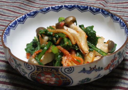 今日のキムチ料理レシピ:春菊とシメジとキムチのポン酢和え