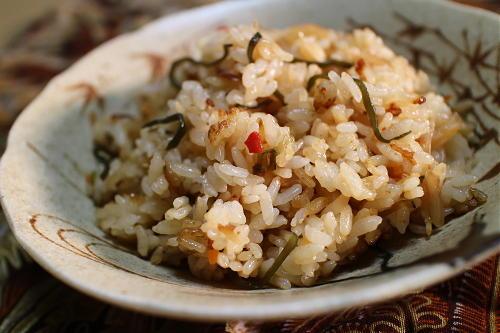 今日のキムチ料理レシピ:塩昆布と桜エビのキムチご飯