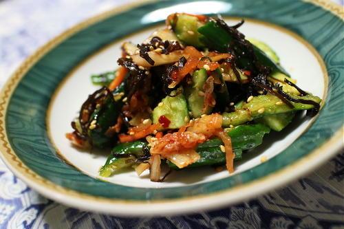 今日のキムチ料理レシピ:胡瓜とキムチの塩昆布和え