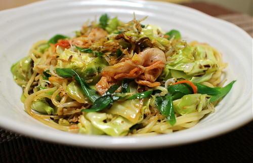 今日のキムチレシピ:シラスとキャベツのキムチパスタ