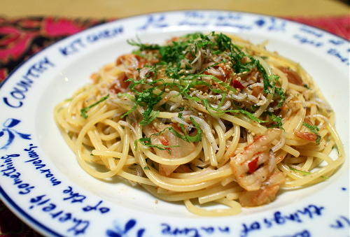 今日のキムチレシピ:しらすと梅のキムチスパゲティ