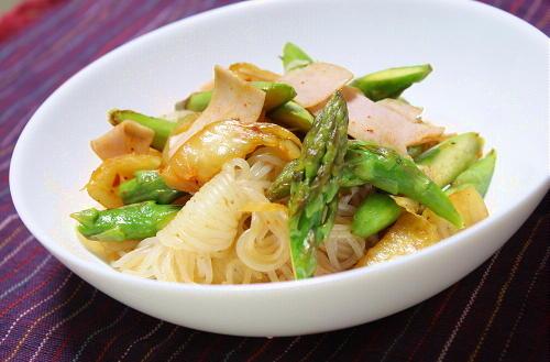 今日のキムチ料理レシピ:しらたきとキムチのガーリック炒め