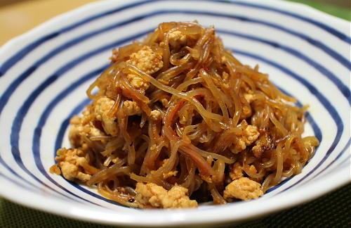 今日のキムチ料理レシピ:白滝のピリ辛ひき肉炒め