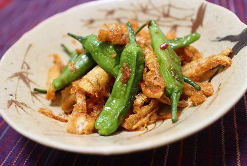 今日のキムチ料理レシピ:しし唐と油揚げのピリ辛炒め