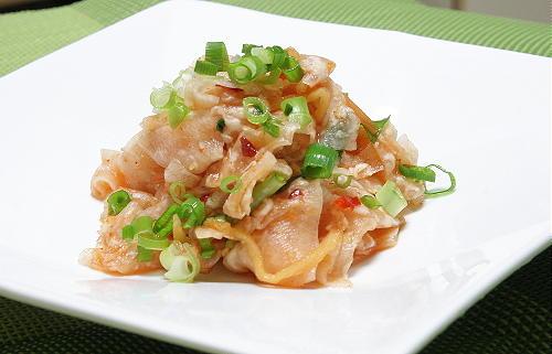 今日のキムチ料理レシピ:聖護院大根のピリ辛甘酢和え