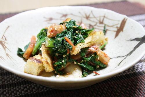 今日のキムチ料理レシピ:春菊と油揚げのキムチ和え