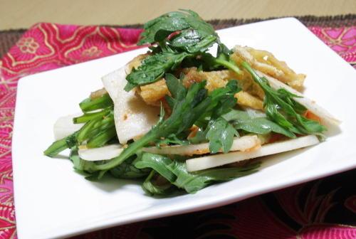 今日のキムチ料理レシピ:春菊と大根のキムチサラダ