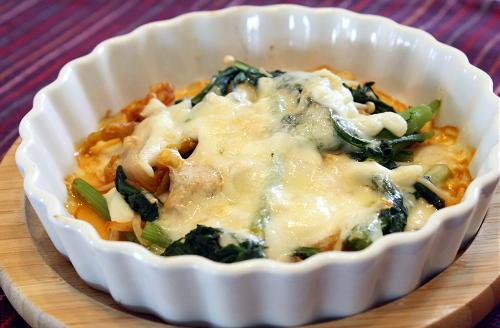 今日のキムチ料理レシピ:春菊とえのきとキムチのチーズ焼き