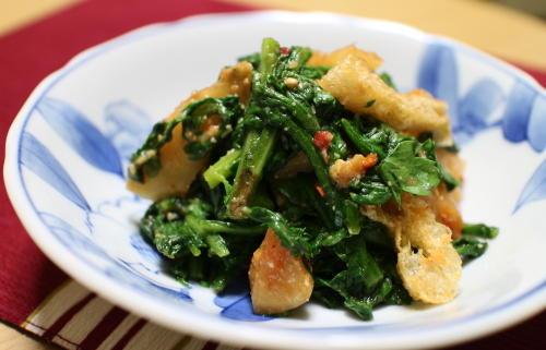 今日のキムチレシピ:<br /> 春菊と大根キムチのゴマみそ和え