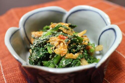 今日のキムチレシピ:春菊とキムチの粉チーズ和え