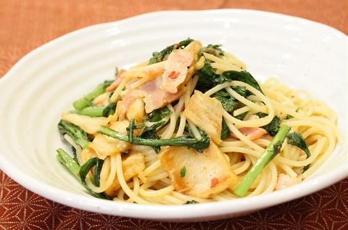 今日のキムチ料理レシピ:春菊とキムチのパスタ
