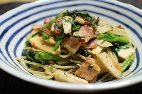 今日のキムチレシピ:春菊とキムチのパスタ