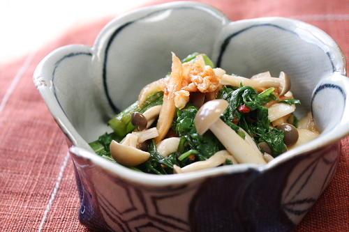 今日のキムチ料理レシピ:春菊とキムチのポン酢和え