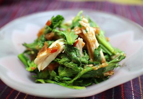 今日のキムチ料理レシピ:春菊とささみのピリ辛梅和え