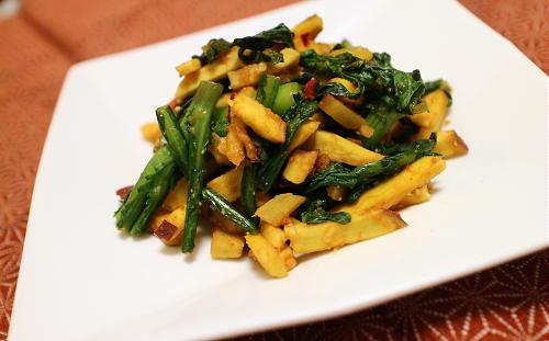 今日のキムチレシピ:春菊とさつまいもとキムチの胡麻和え