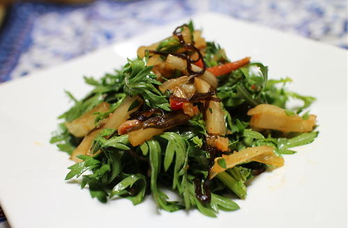 今日のキムチレシピ:春菊とキムチの塩昆布和え