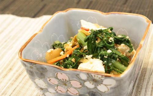 今日のキムチ料理レシピ:春菊とキムチの白和え