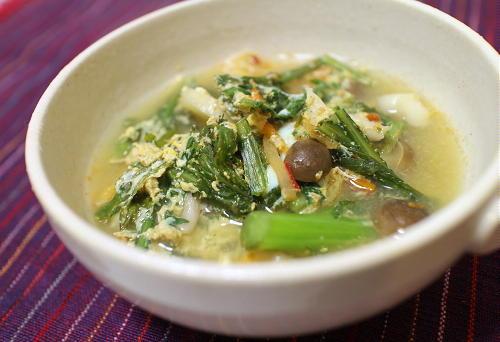 今日のキムチ料理レシピ:春菊とキムチのスープ