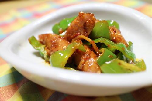 今日のキムチ料理レシピ:ソーセージのピリ辛炒め