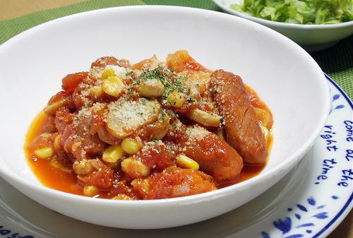 今日のキムチ料理レシピ:ソーセージと大豆のキムチトマト煮