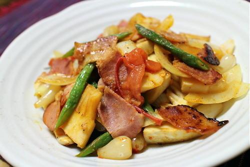今日のキムチ料理レシピ:たけのことベーコンのキムチらっきょう炒め