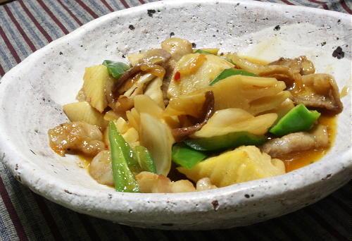 今日のキムチ料理レシピ:豚肉とたけのこのキムチ煮