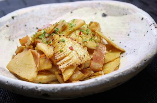 今日のキムチ料理レシピ:たけのことキムチのバターしょうゆ炒め