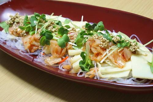今日のキムチ料理レシピ:たけのことキムチのはるさめサラダ
