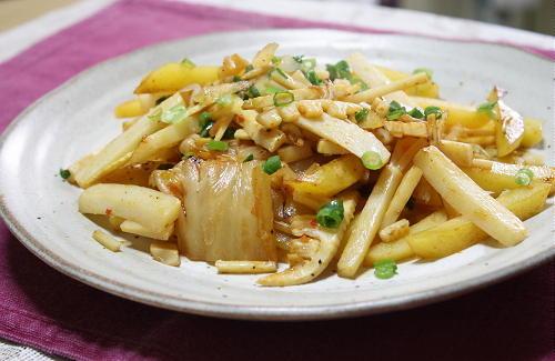 今日のキムチ料理レシピ:ジャガイモとたけのことキムチのオイスターソース炒め